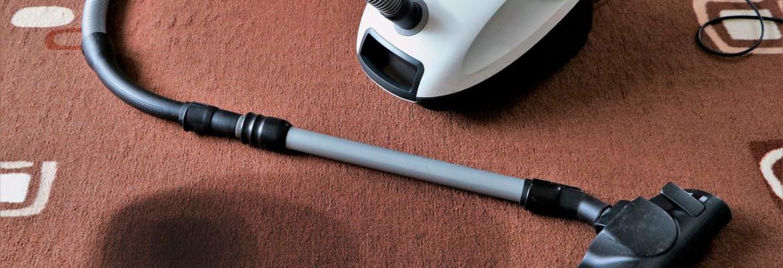 Как очистить ковер от пятен в домашних условиях