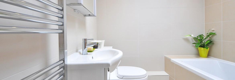 Как оформить малогабаритную ванную комнату